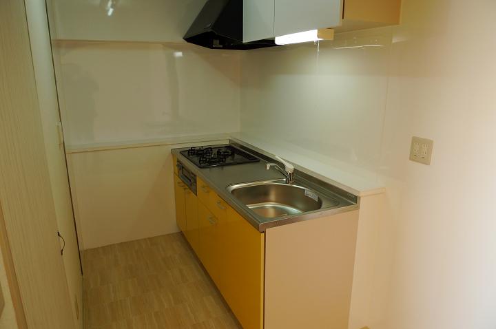 さいたま市大宮区の3LDK賃貸マンションのキッチンセットのリフォーム事例