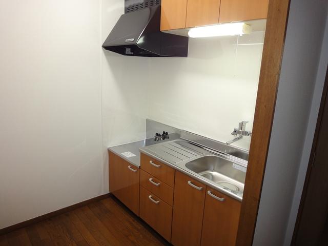 キッチンのリフォーム事例(さいたま市北区土呂町の2DKアパート)