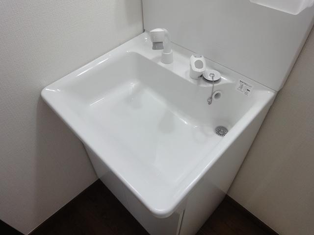 独立洗面台のリフォーム事例(さいたま市北区の2DKアパート)